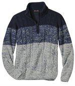 Trykotowy sweter z warkoczami preview2