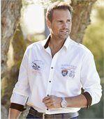 Biała koszula w stylu lotniczym