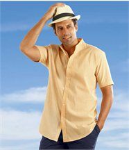 Het crepon-overhemd met officierskraag