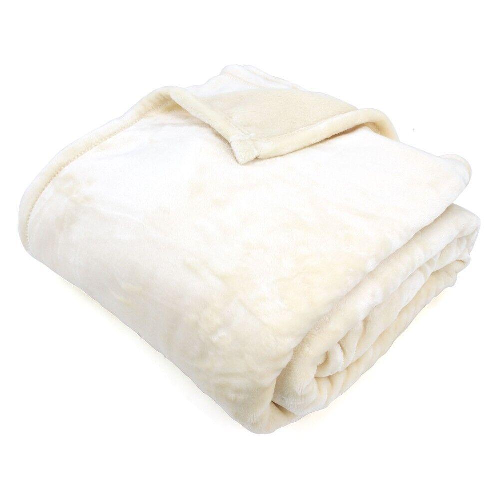 couverture polaire 220x240 cm microfibre 100 polyester 320 g m2 velvet ivoire linnea. Black Bedroom Furniture Sets. Home Design Ideas