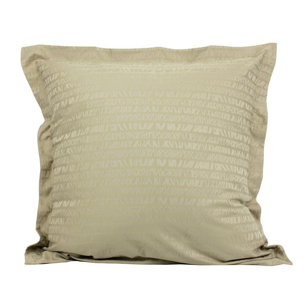 taie d 39 oreiller 65x65 cm satin de coton victoire marron clair linnea. Black Bedroom Furniture Sets. Home Design Ideas
