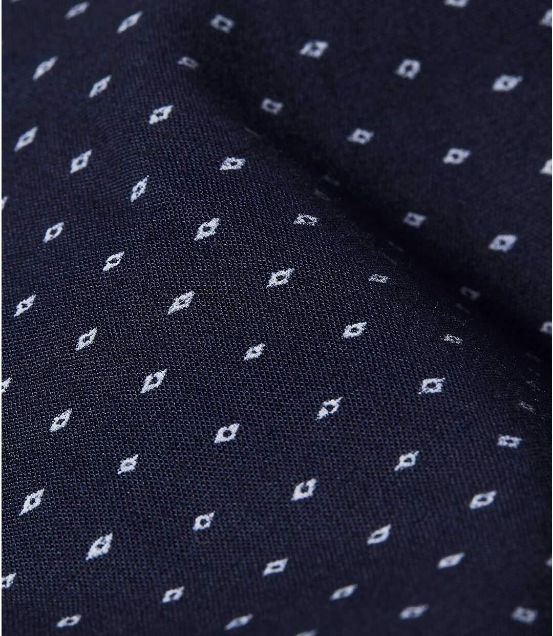 Trendy košile se stojatým límečkem