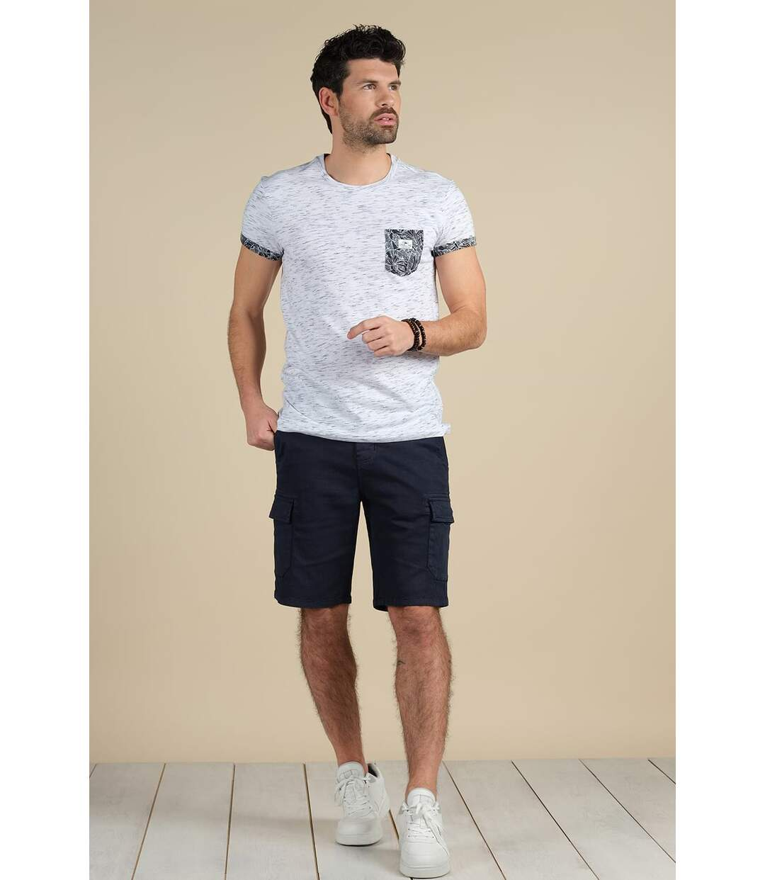 T-shirt avec détails à imprimé tropical SHAMAR Sky