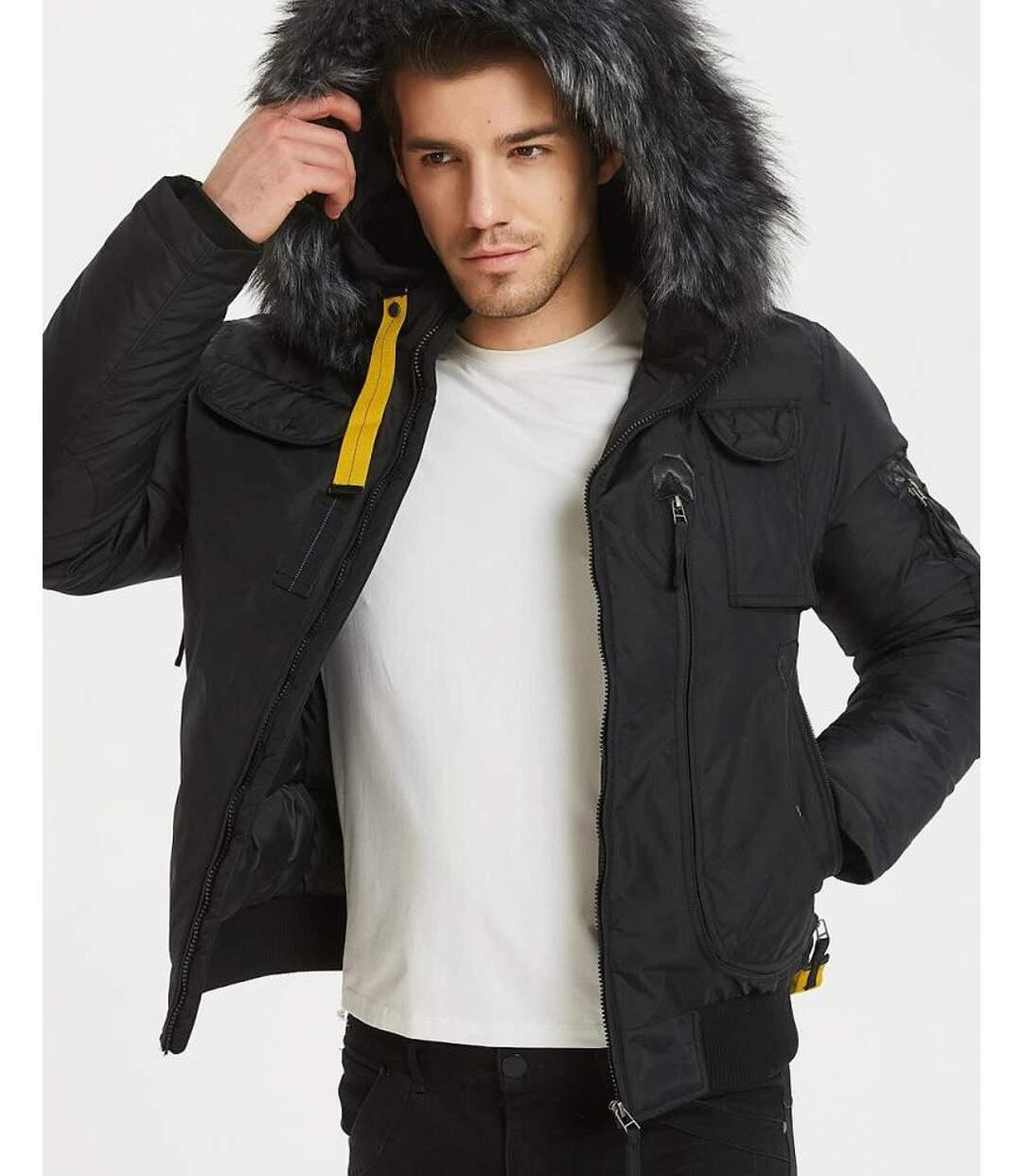 Blouson parka noir zippé à col capuche fausse fourrure gris noir amovible avec languette jaune visible pour homme