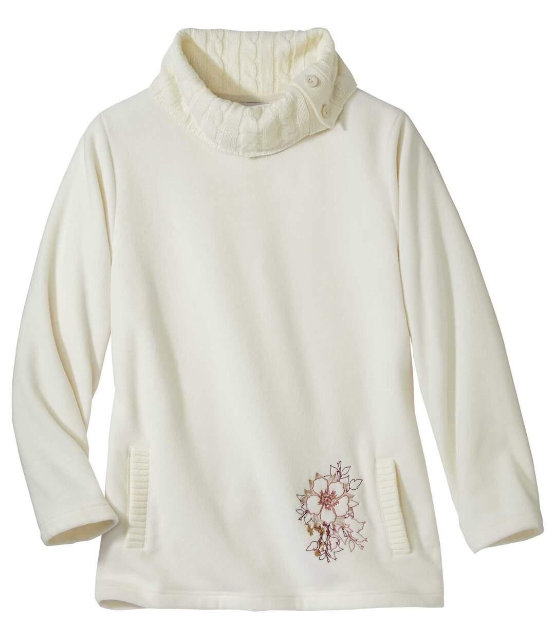Pullover aus Strick und Fleece