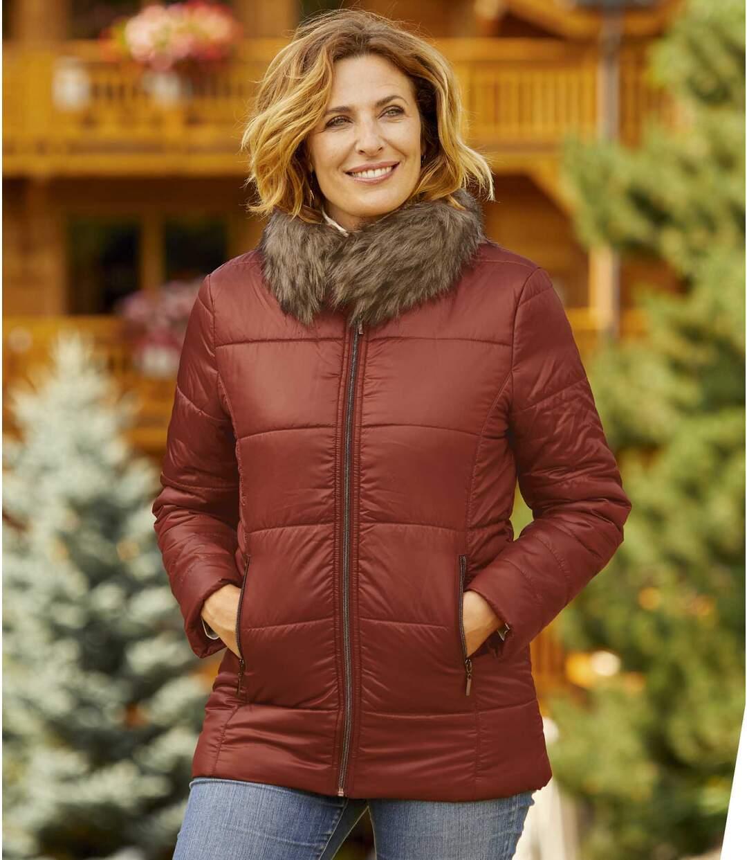 Prošívaná bunda s límcem s umělou kožešinou