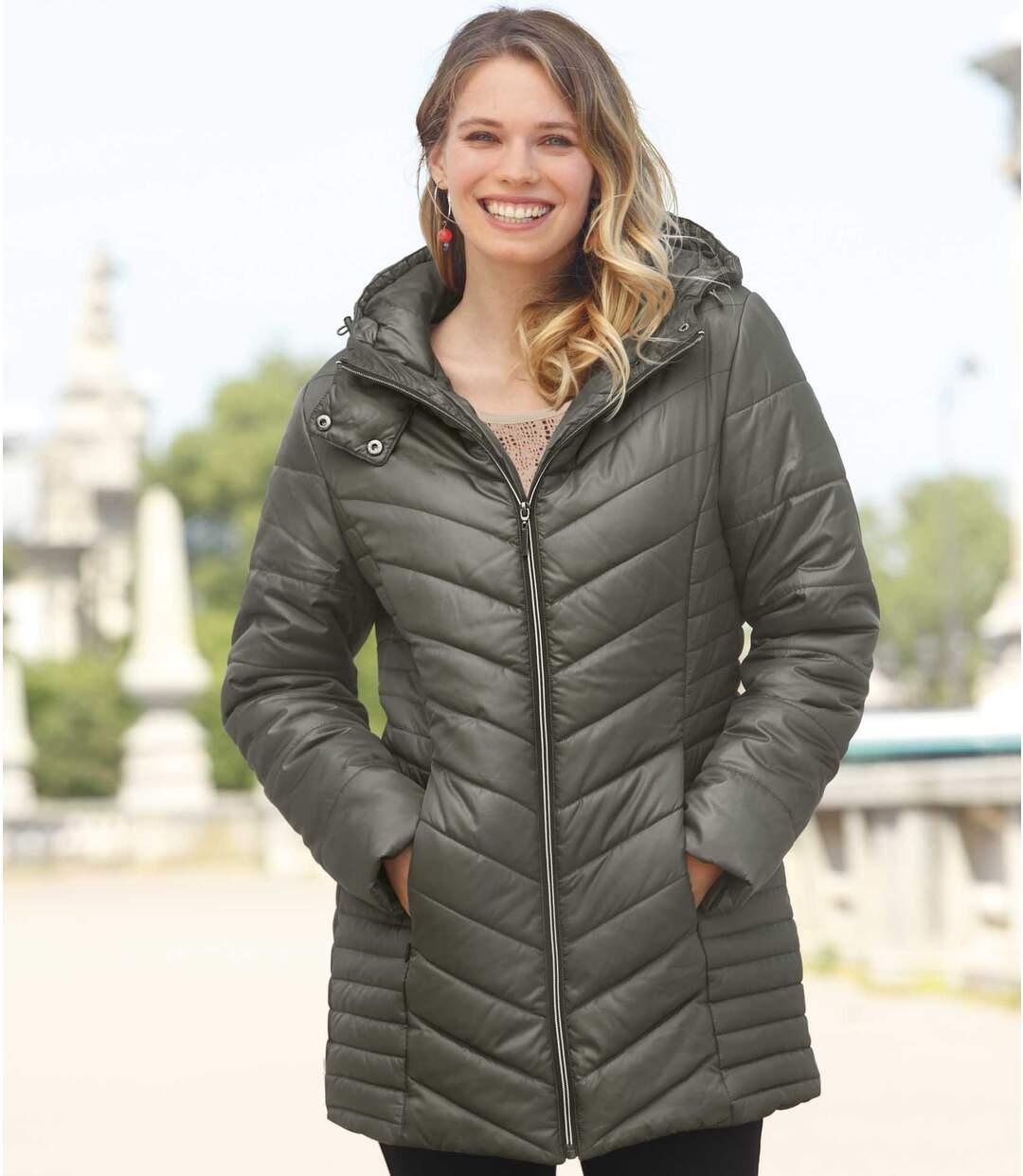 Dlhá prešívaná bunda s kapucňou