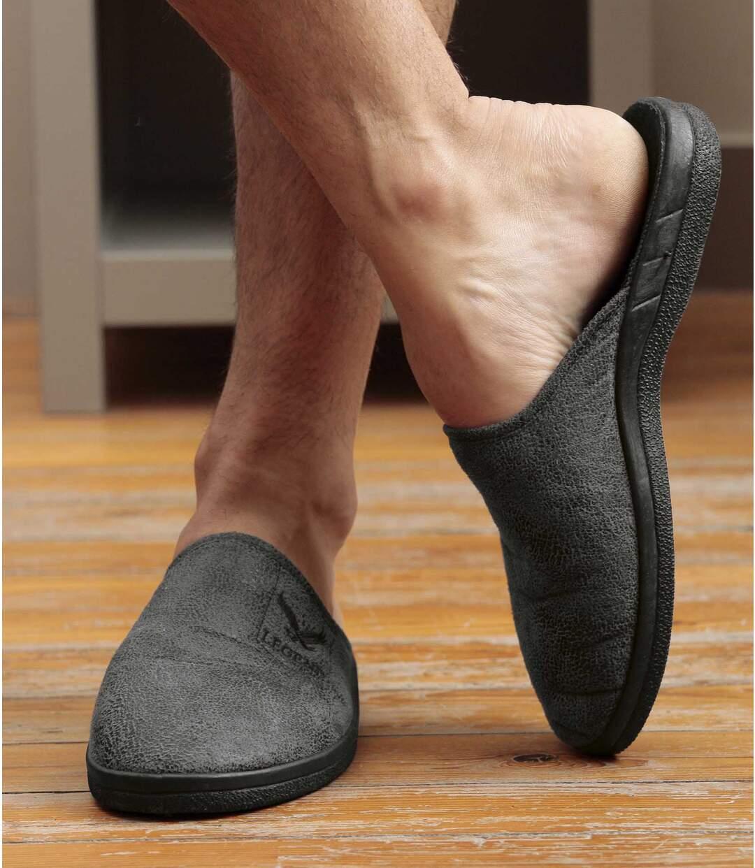 Semišové pantofle podšité fleecem