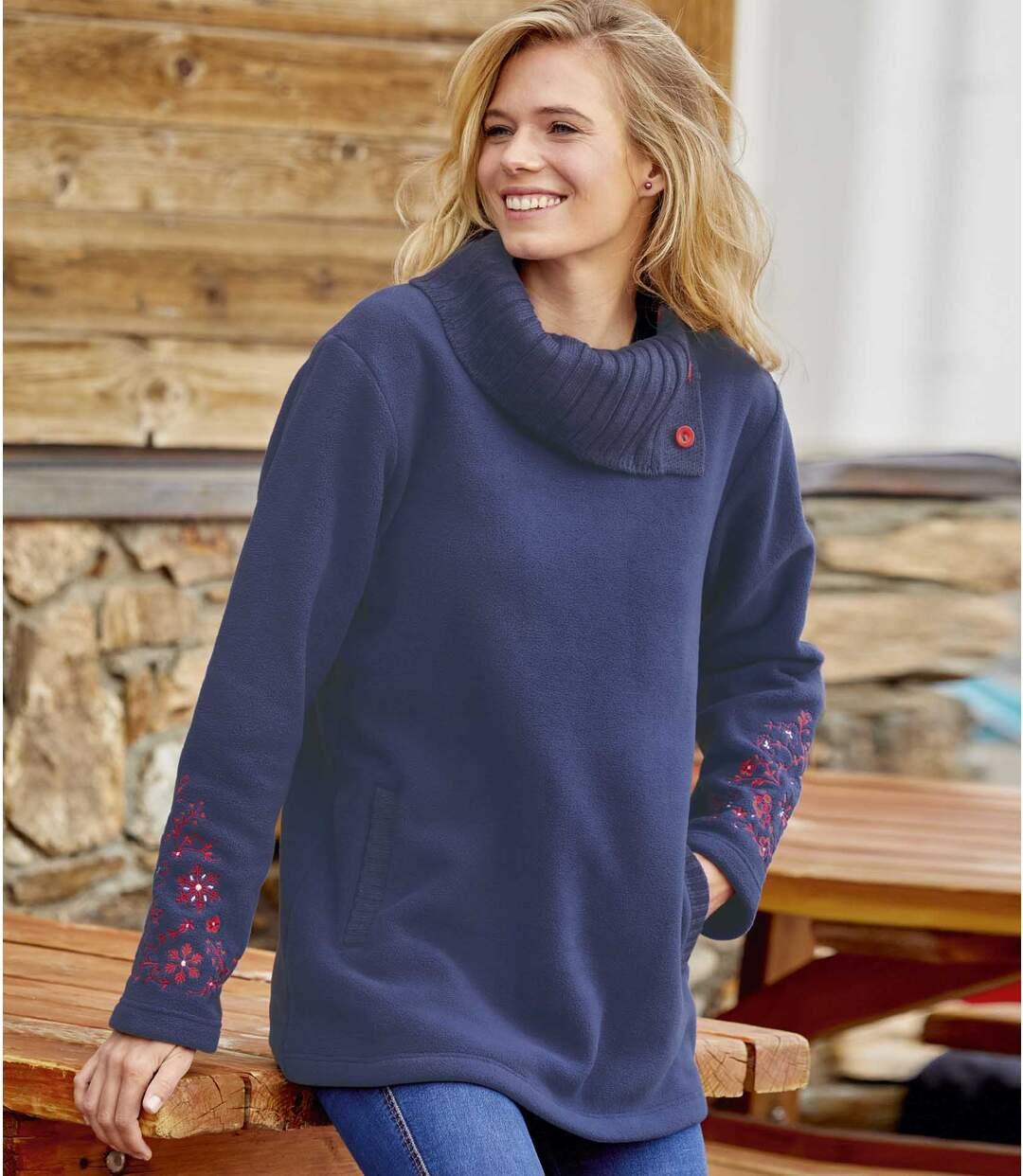 Polarowy sweter-tunika z haftami