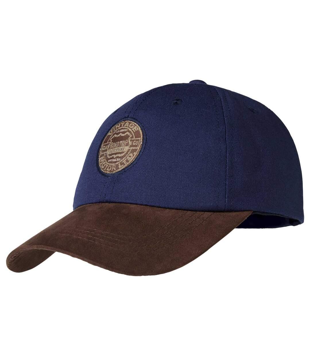 Dwumateriałowa czapka z daszkiem