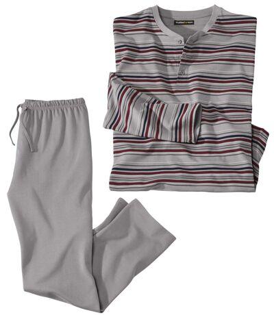 Prúžkované pyžamo