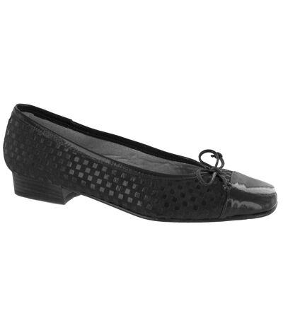 Riva Andros Suede Ballerina / Womens Shoes (Black) - UTFS374