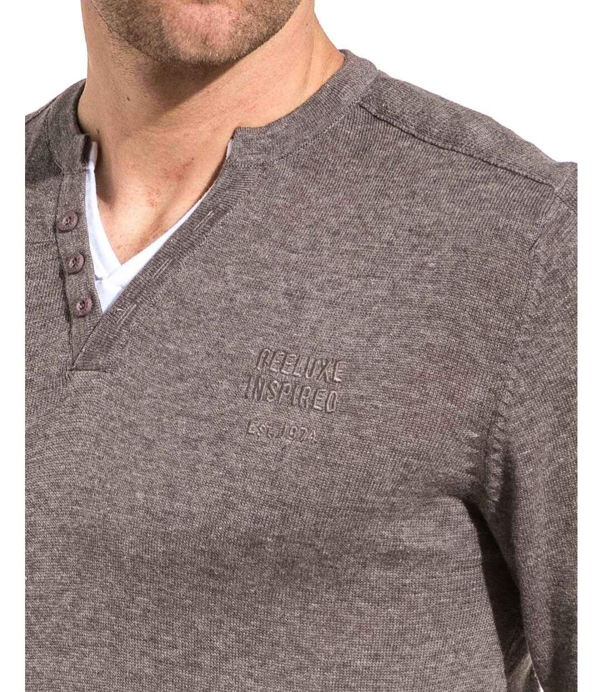 Pull fin gris double col V