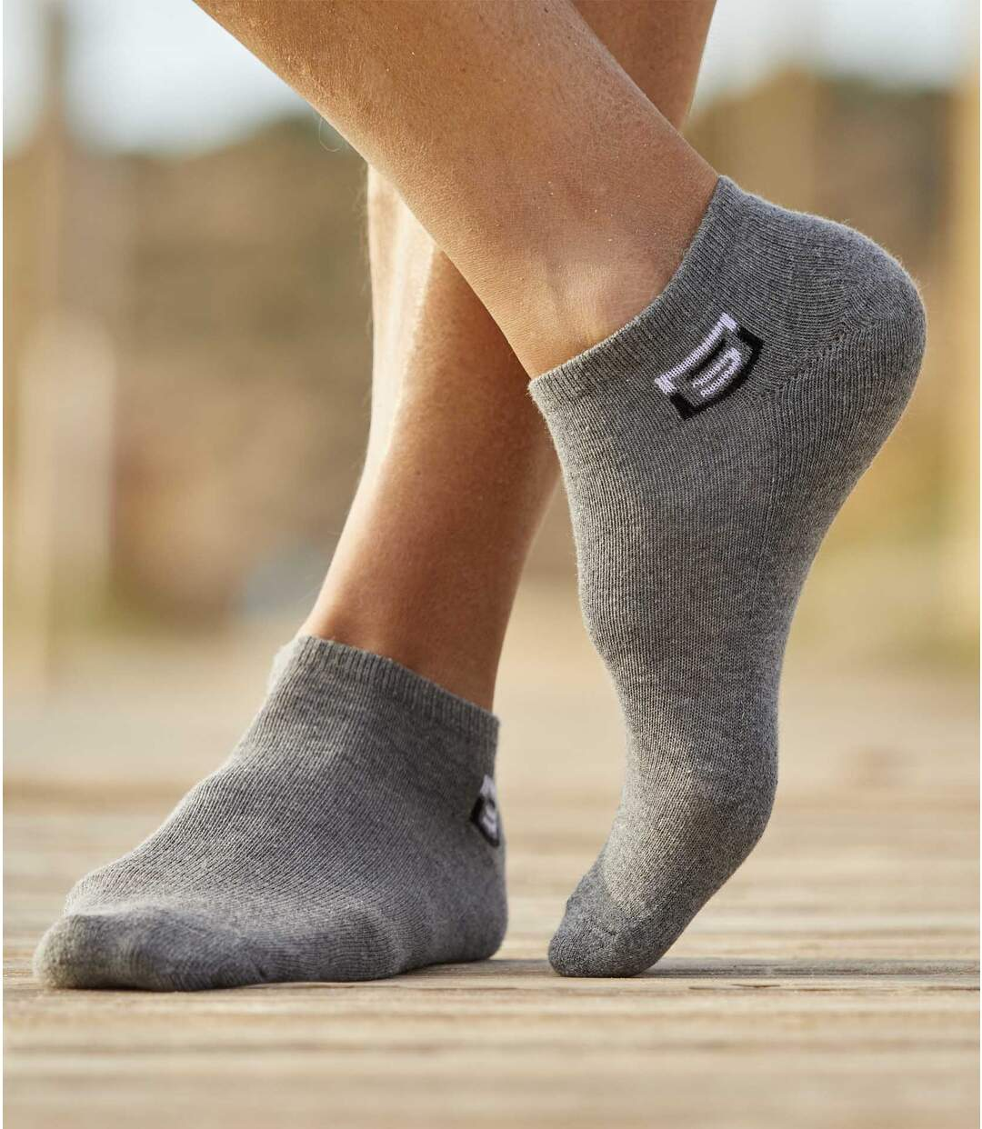 Sada 4 párů kotníkových ponožek Sport