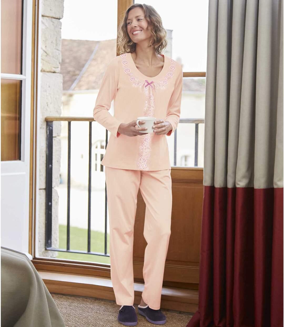 Překrásné pastelové pyžamo