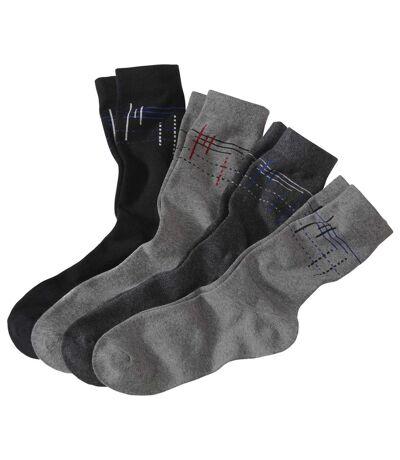 4 pár grafikus, mintás zokniból álló szett