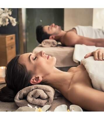 SMARTBOX - Séjour 4 étoiles de 2 jours avec massage pour duo en France - Coffret Cadeau Séjour
