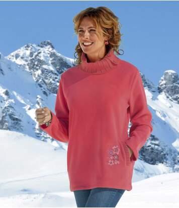 Modny sweter z polaru i trykotu