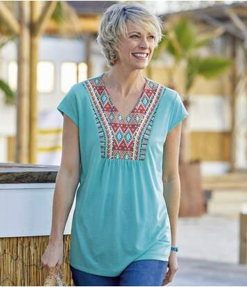 Women'sV-Neck T-Shirt with Patterned Neckline - Turquoise
