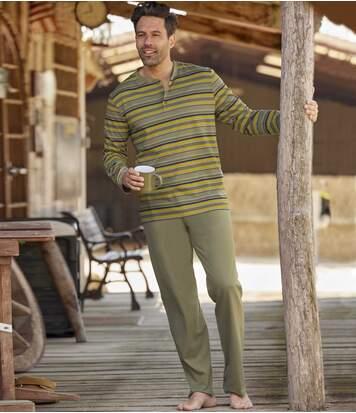 Schlafanzug Entspannung mit Henleyshirt