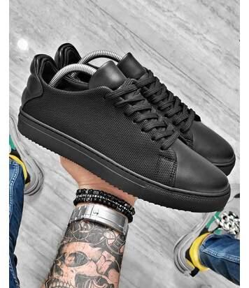 Chaussures sneakers basse stylé entièrement noir