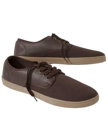 Kettős anyagú cipő