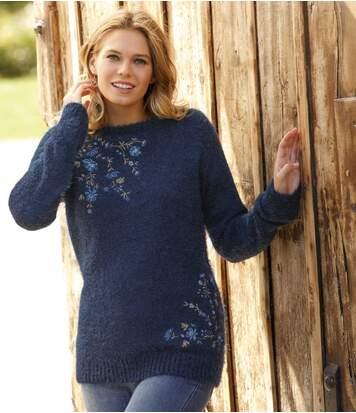 Bolyhos kötött hímzett pulóver