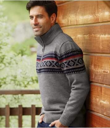 Żakardowy sweter z trykotu