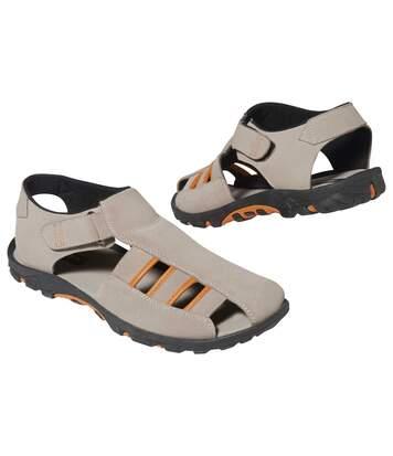 Univerzální sandály