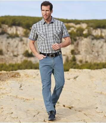 Hellblaue Regular-Jeans mit Stretch-Effekt