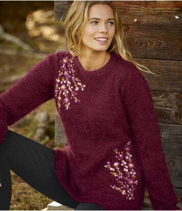 Vyšívaný sveter z úpletu
