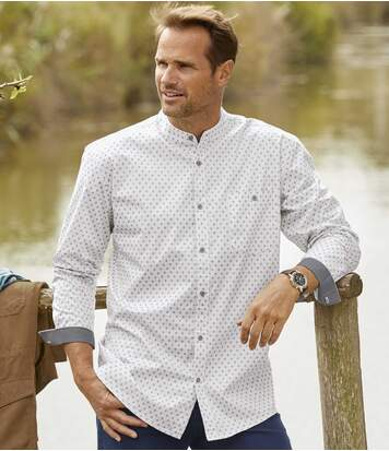 Bílá košile spotiskem astojáčkovým límcem