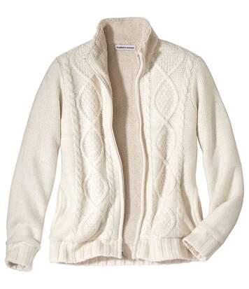 Jacke im nordischen Stil aus Strick und Fleece